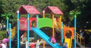 Çocuk parkında yetişkin olmak