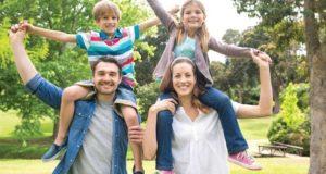 Çocuklarına Gözetimli Serbestlik Tanıyan Ebeveynler